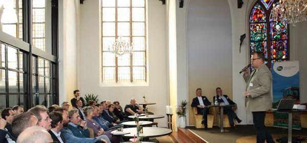 Een kerk vol ondernemers tijdens het EBG Kenniscafé 'Hoe organiseer ik groei?'